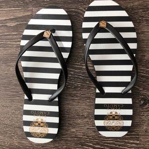 Vince Camuto flip flops